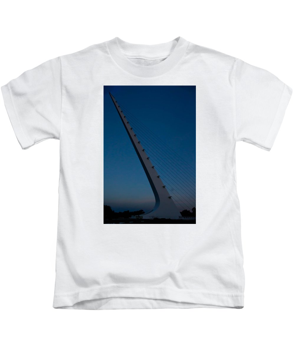 Kids T-Shirt featuring the photograph Sundial Bridge 2 by Reed Tim