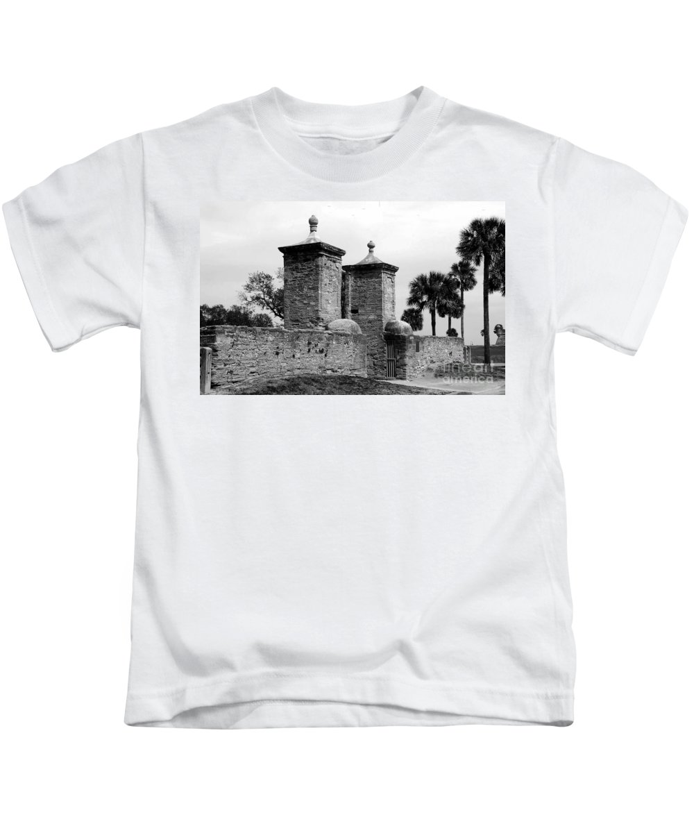 Saint Augustine Florida Kids T-Shirt featuring the photograph The Old City Gates by David Lee Thompson