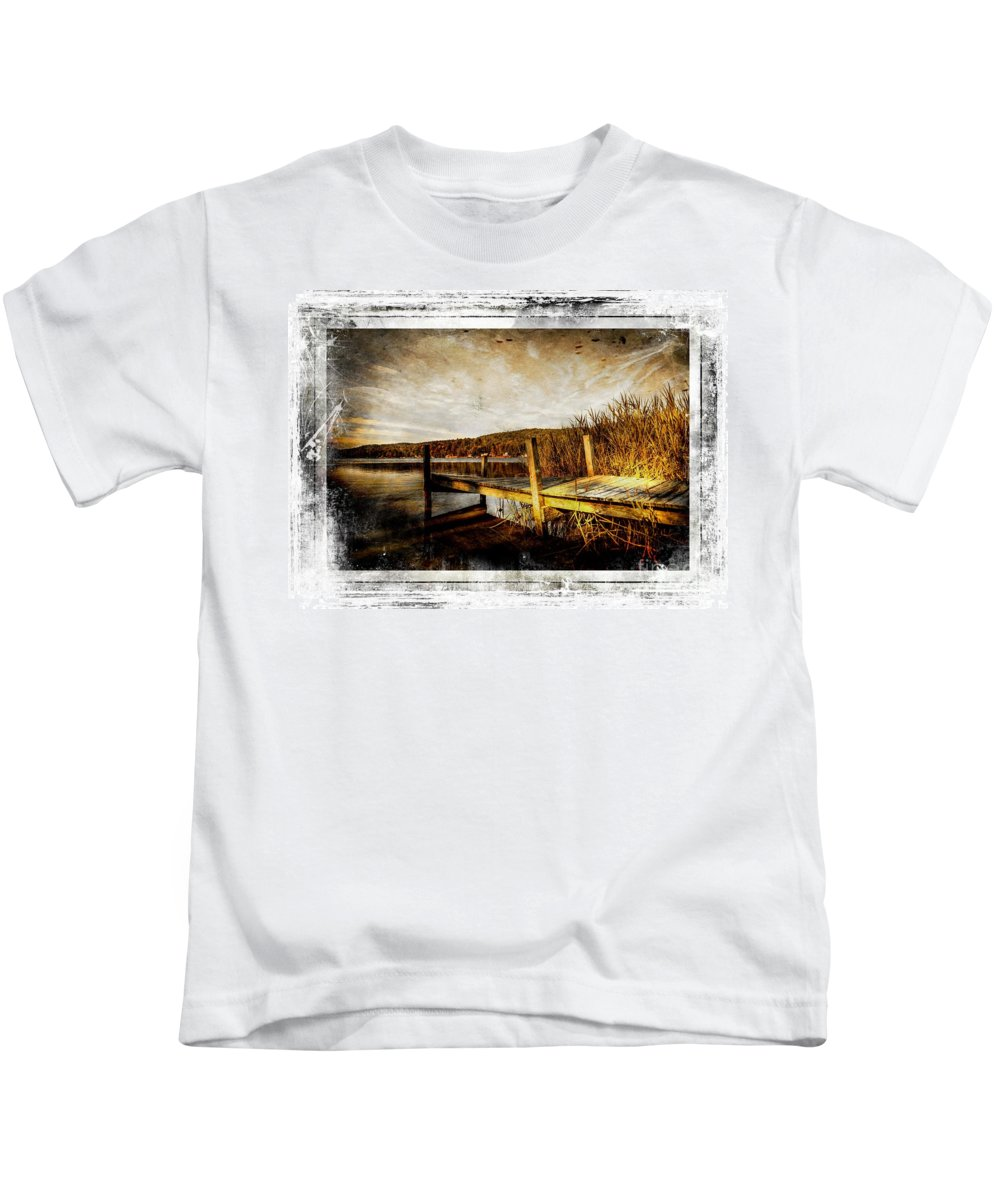 Pier Kids T-Shirt featuring the photograph This Ole Pier by Sherman Perry
