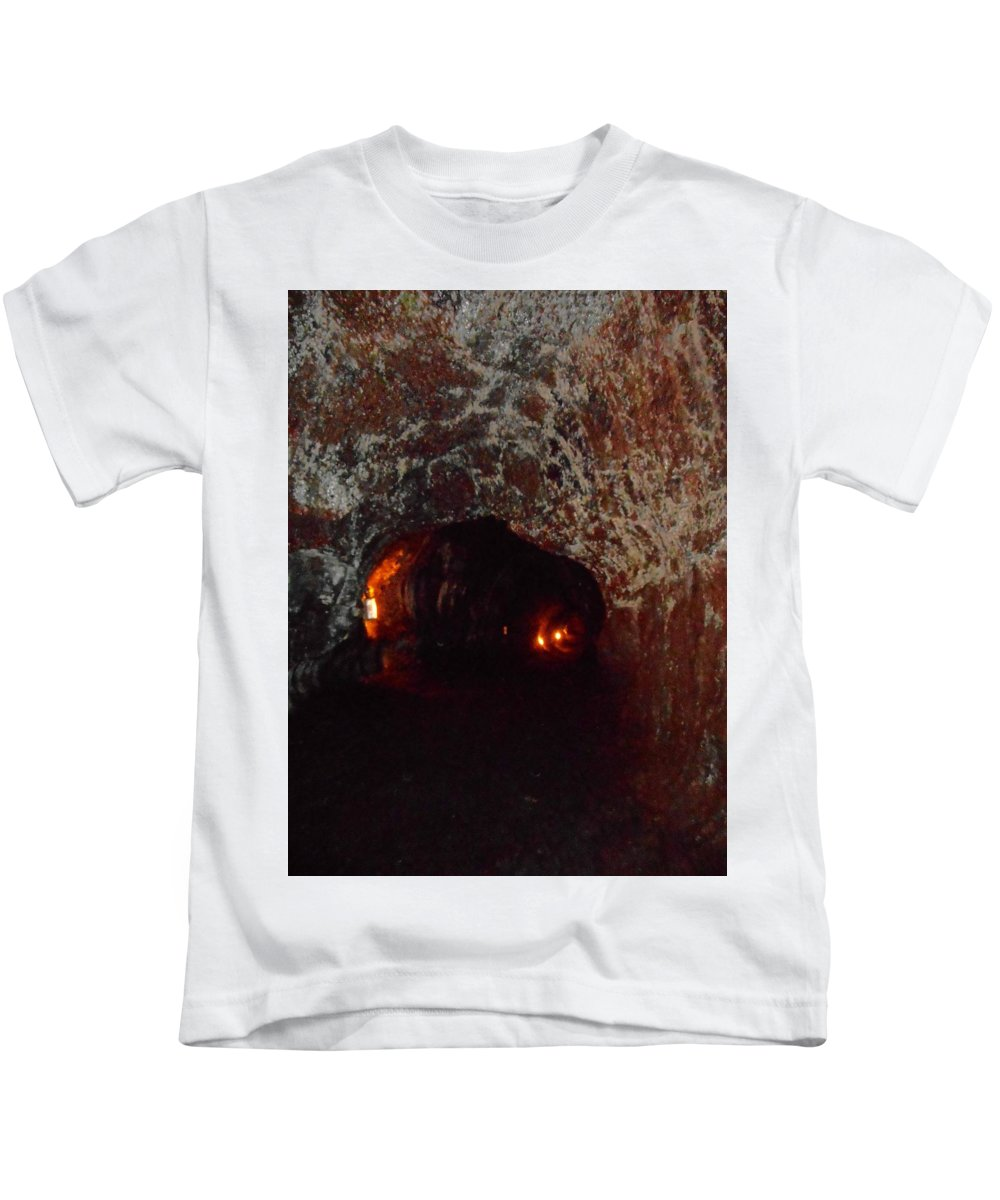 Hilo Kids T-Shirt featuring the photograph Thurston Lava Tube 3 by Ron Kandt