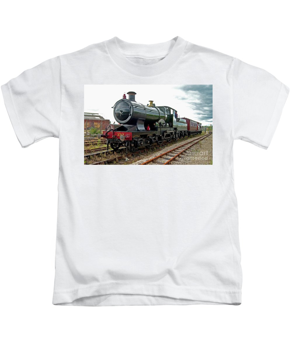 City Of Truro Kids T-Shirt featuring the photograph Ton Up Truro by Rob Hawkins