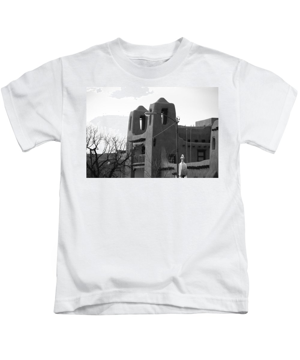 Architecture Kids T-Shirt featuring the photograph Town Hall by Rob Hans