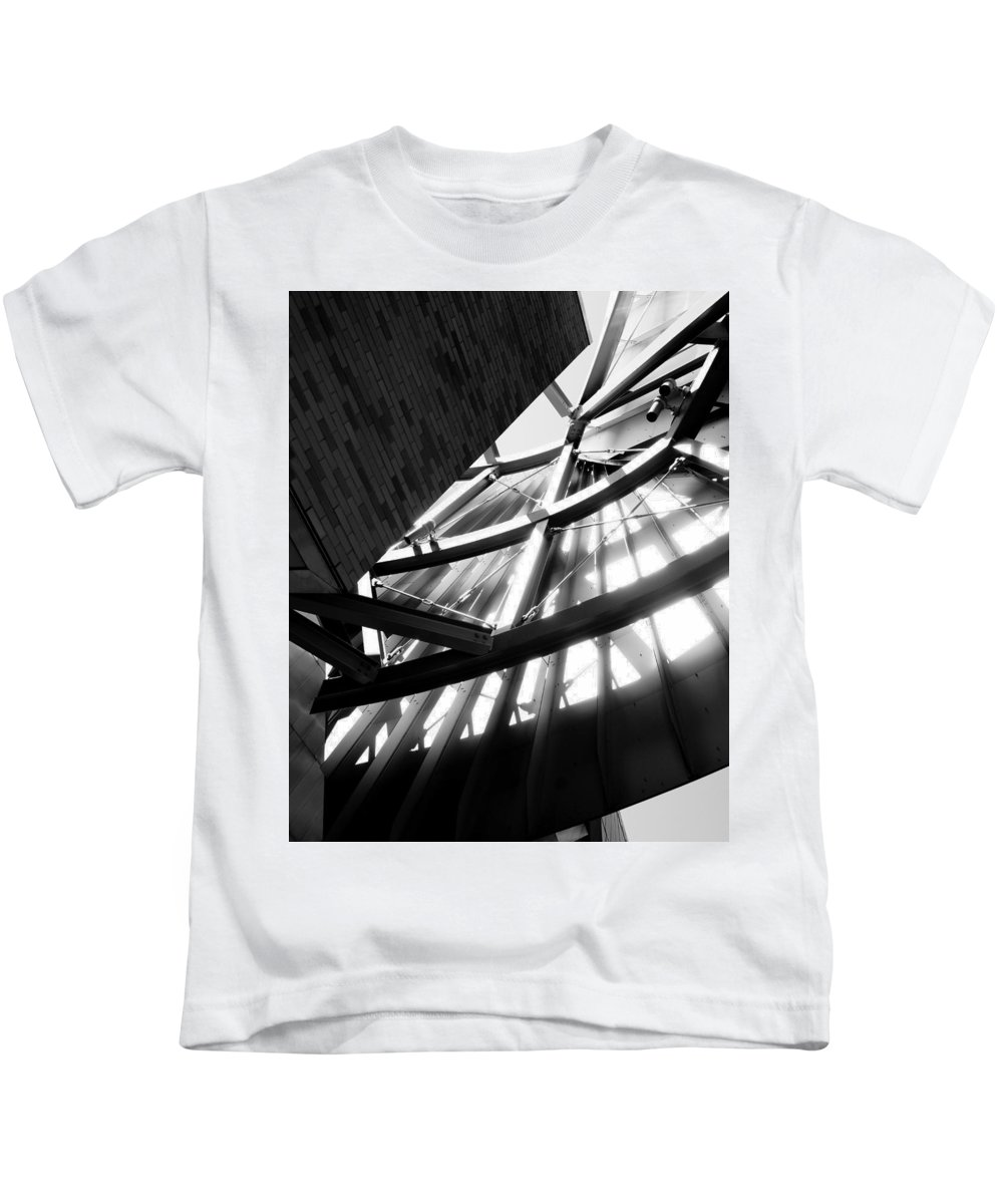 Weisman Architecture Structure Light Shadow Contrast Minnesota Minneapolis Gehry Kids T-Shirt featuring the photograph Weisman's Skeleton by Pete Mikelson