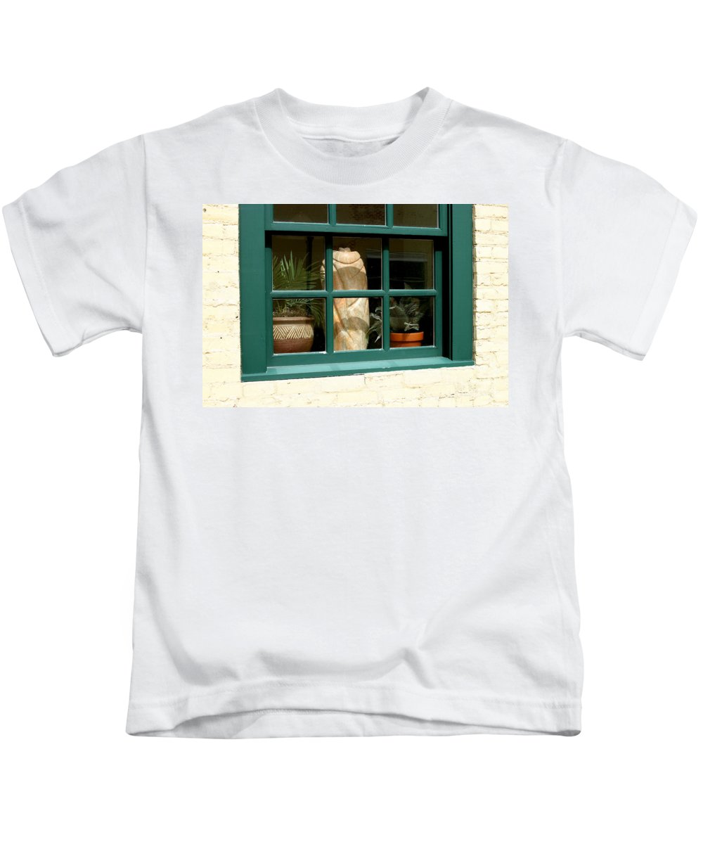 Fern Kids T-Shirt featuring the photograph Window At Sanders Resturant by Steve Augustin