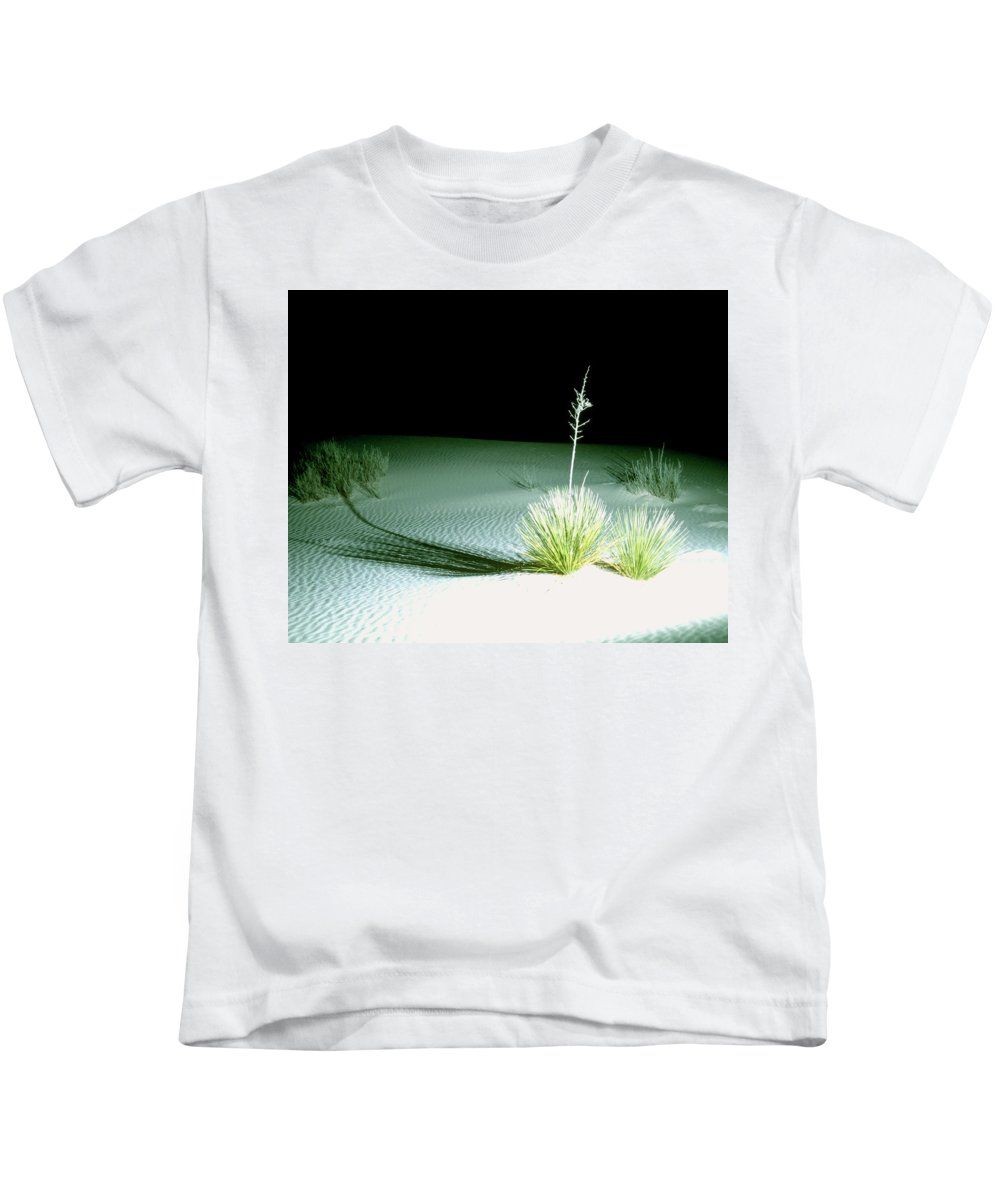 Background Kids T-Shirt featuring the photograph Illuminated Yucca At Night In White Sands National Monument, New Mexico - Newm500 00108 by Kevin Russell