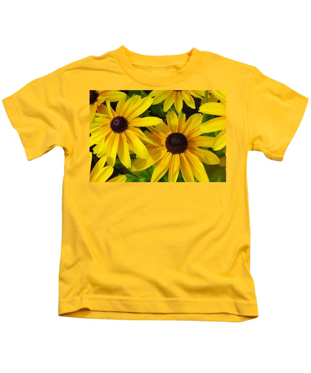 Black Eyed Susan Kids T-Shirt featuring the photograph Black Eyed Susans by Suzanne Gaff