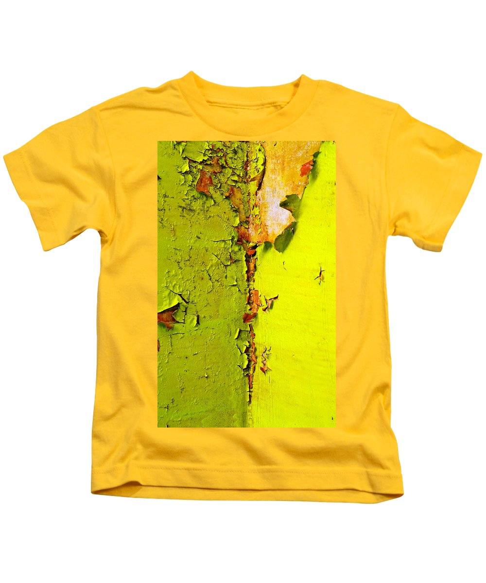 Skip Hunt Kids T-Shirt featuring the photograph Going Green by Skip Hunt