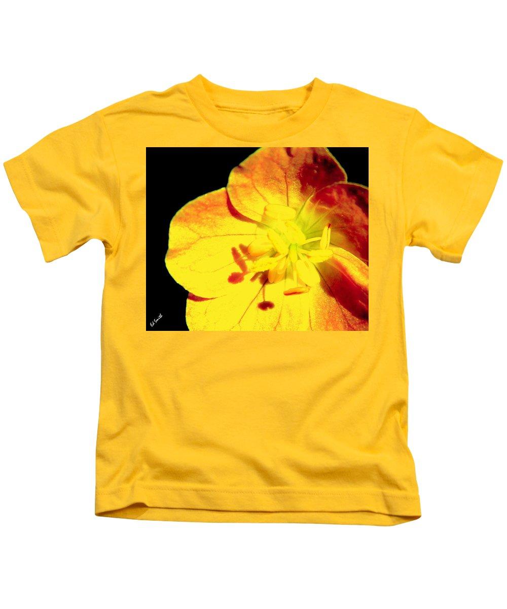 Sun Burn Kids T-Shirt featuring the photograph Sun Burn by Ed Smith
