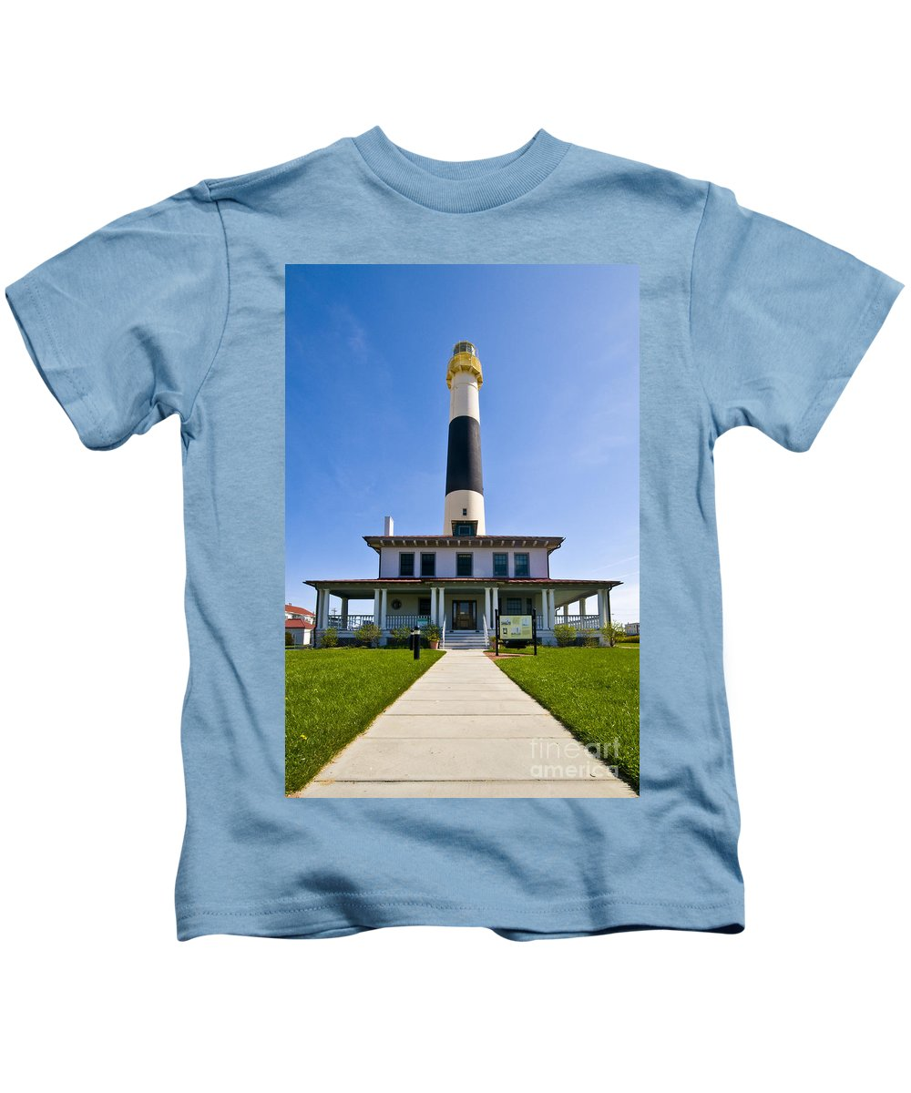 Absecon Lighthouse Kids T-Shirt featuring the photograph Absecon Lighthouse by Anthony Sacco