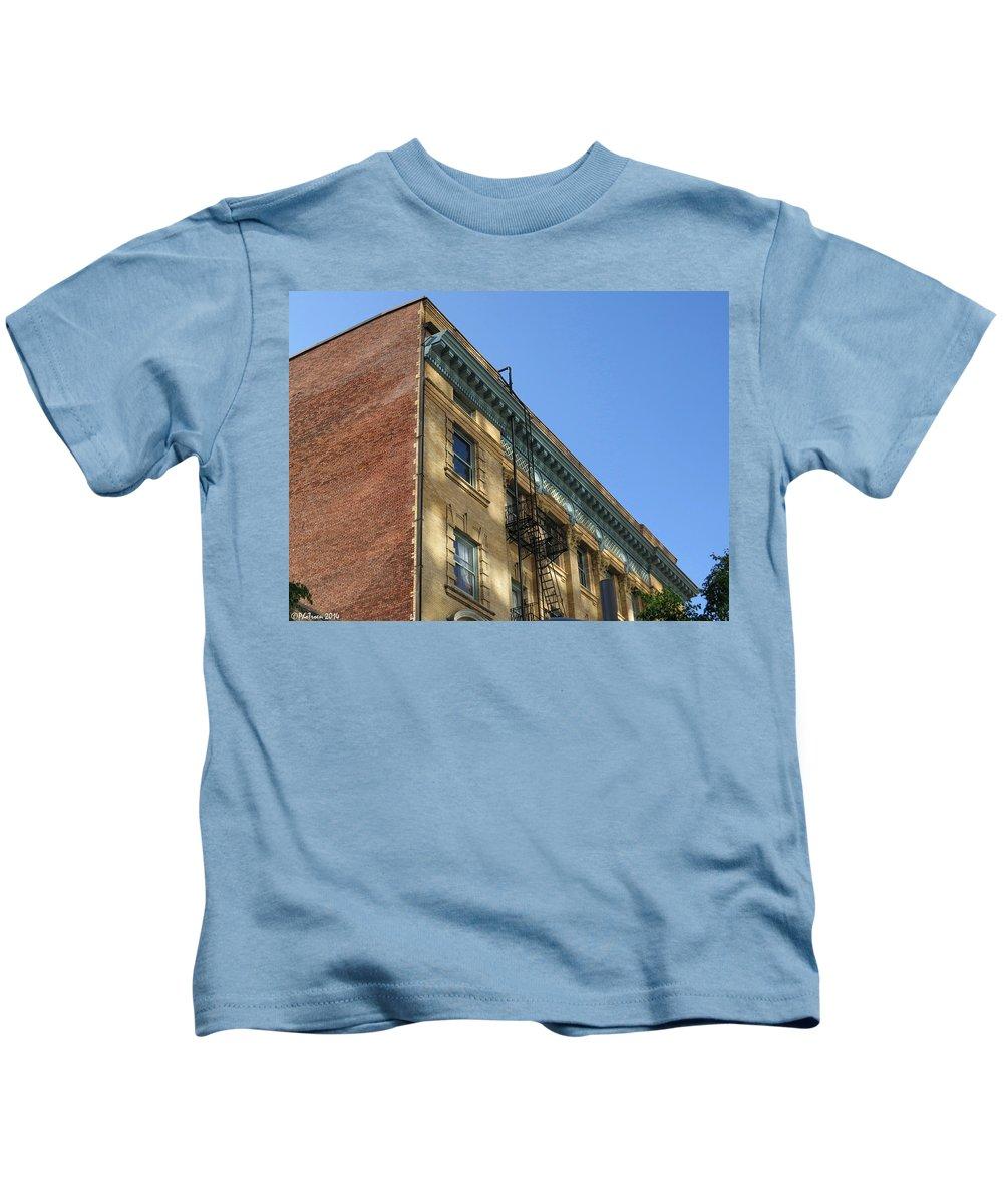 Building Kids T-Shirt featuring the photograph Architectural Watercolor Effect by De Ann Troen
