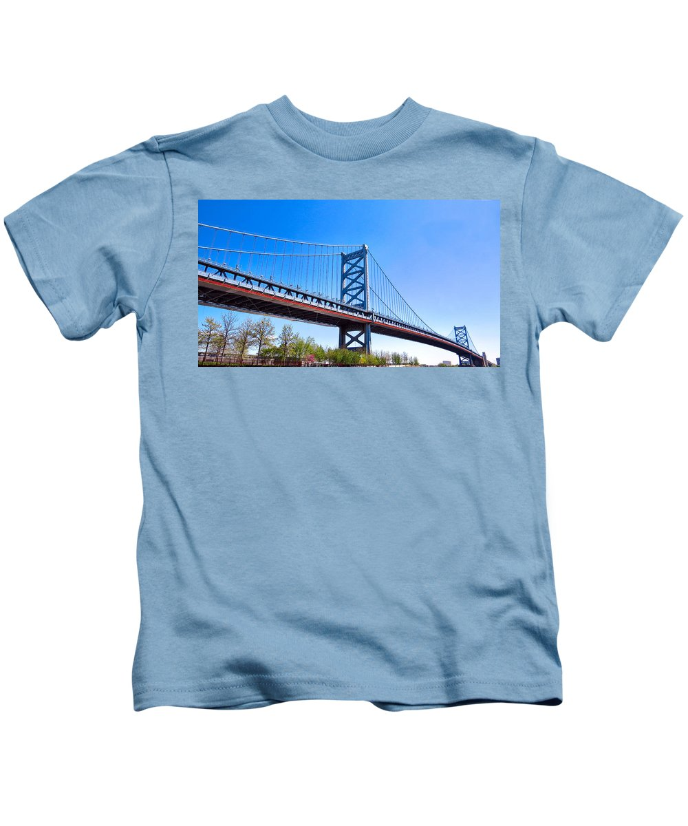 Benjamin Kids T-Shirt featuring the photograph Architecture by Art Dingo