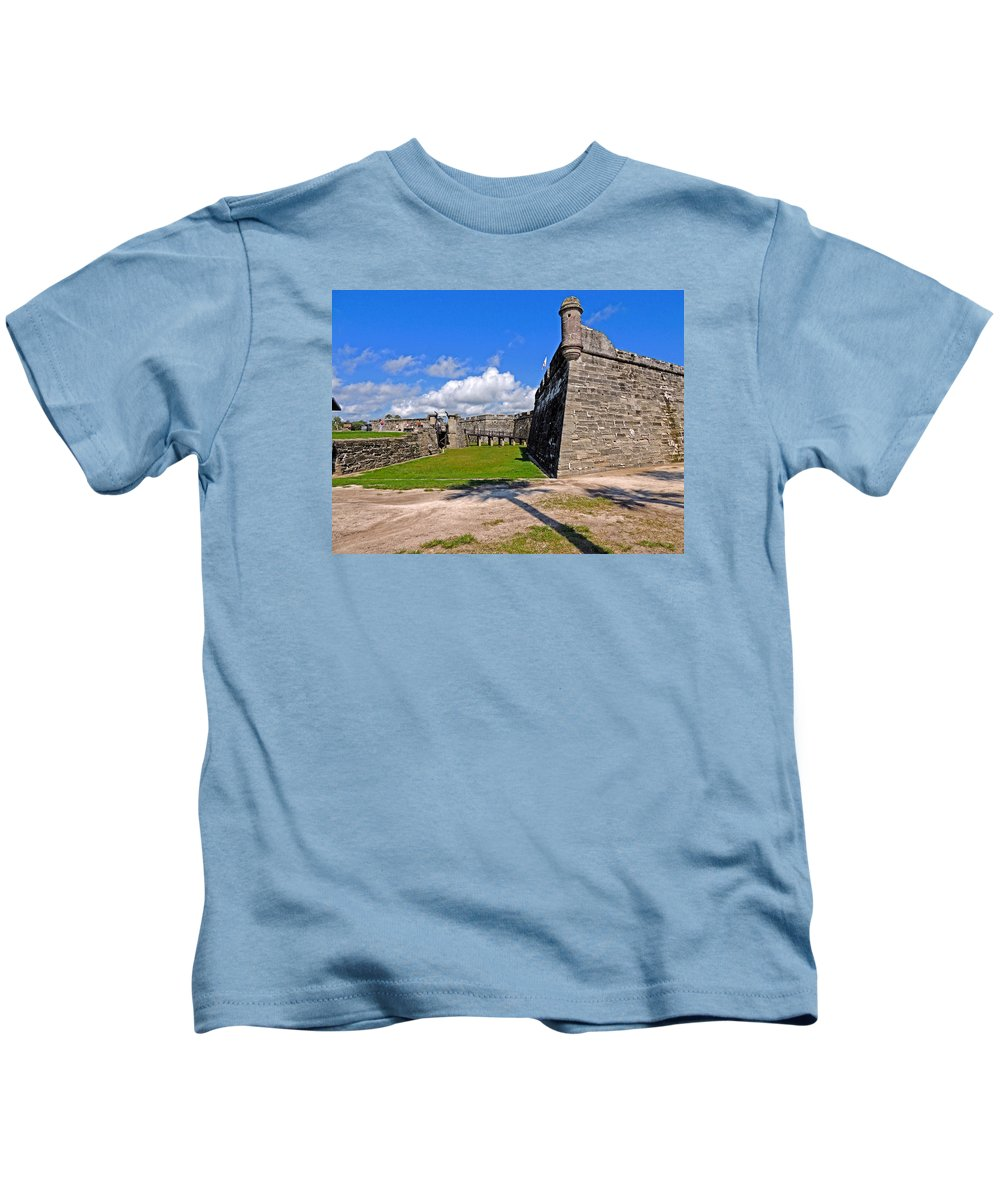 St Augustine Kids T-Shirt featuring the photograph Castillo De San Marcos by Marilyn Holkham