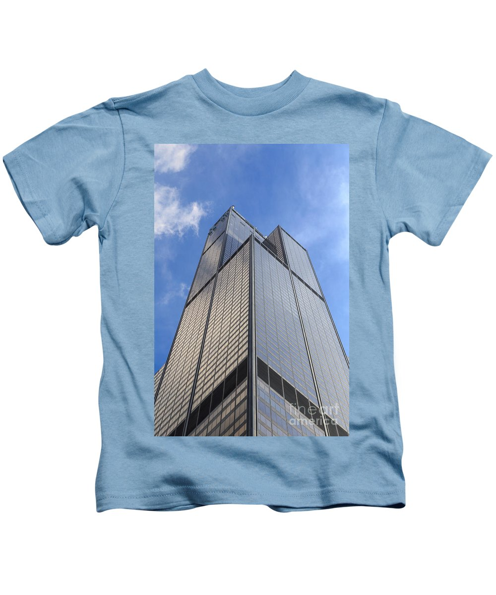 2014 Kids T-Shirt featuring the photograph Willis Tower by Jannis Werner