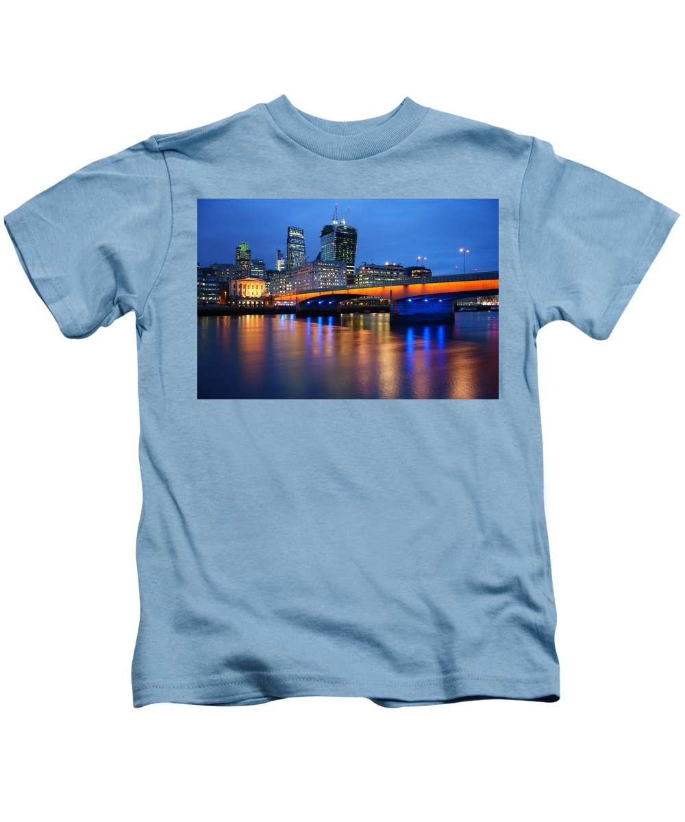 London Kids T-Shirt featuring the photograph City Of London by Darren Galpin