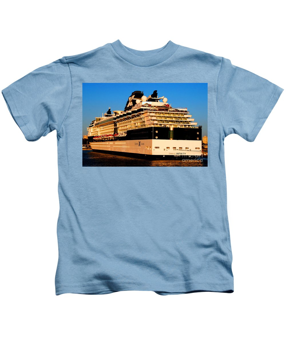 Cruise Ship Kids T-Shirt featuring the photograph Cruise by Tap On Photo