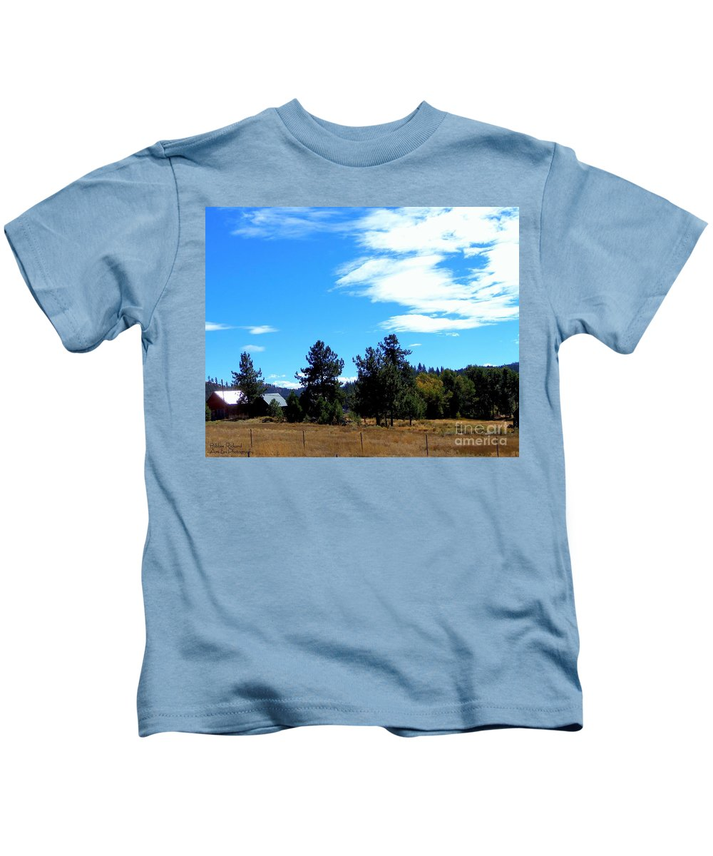 Acrylic Prints Kids T-Shirt featuring the photograph Heart In The Sky by Bobbee Rickard