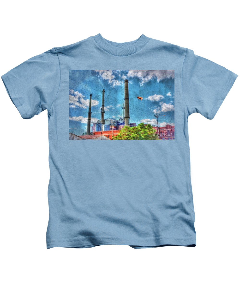 Abandoned Kids T-Shirt featuring the photograph Pigs On The Wing Revisited by Dan Stone