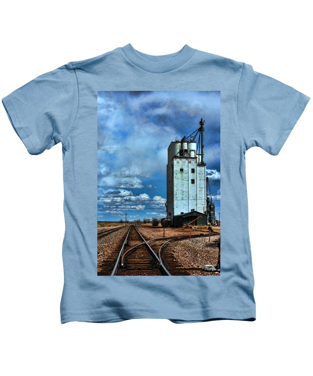 Roggen Kids T-Shirt featuring the photograph Roggen Co by David Sanchez