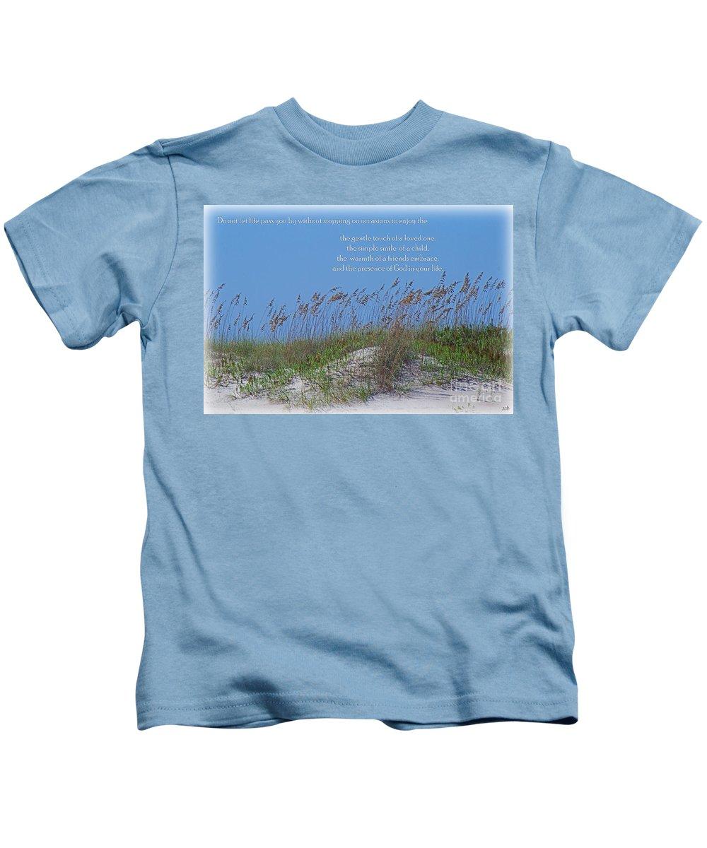 North Carolina Kids T-Shirt featuring the photograph Stopping On Occasions by Sandra Clark