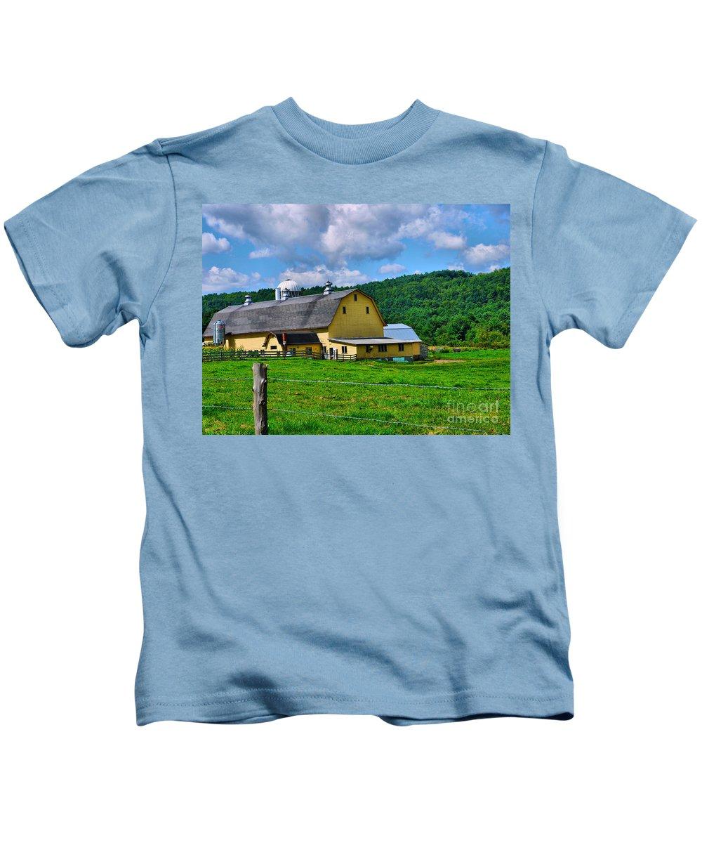 Barn Kids T-Shirt featuring the photograph Yellow Barn by Nancie DeMellia