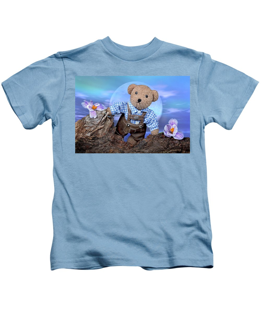 Teddy Kids T-Shirt featuring the photograph Teddy On Tour by Manfred Lutzius
