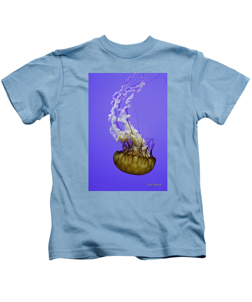 Aquarium Kids T-Shirt featuring the photograph Jellyfish by Leon Roland
