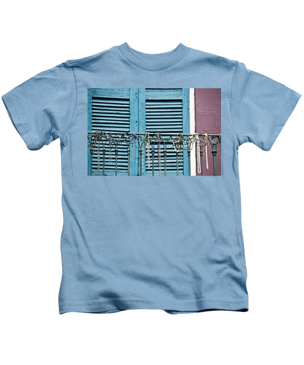 Architecture Kids T-Shirt featuring the photograph Mardi Gras Beads by Ray Laskowitz