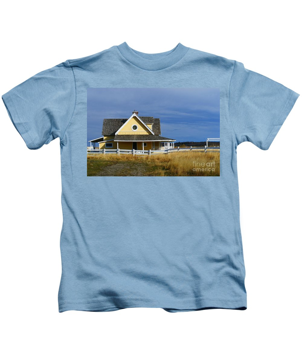 Old House Kids T-Shirt featuring the photograph Movie House by Randy Harris