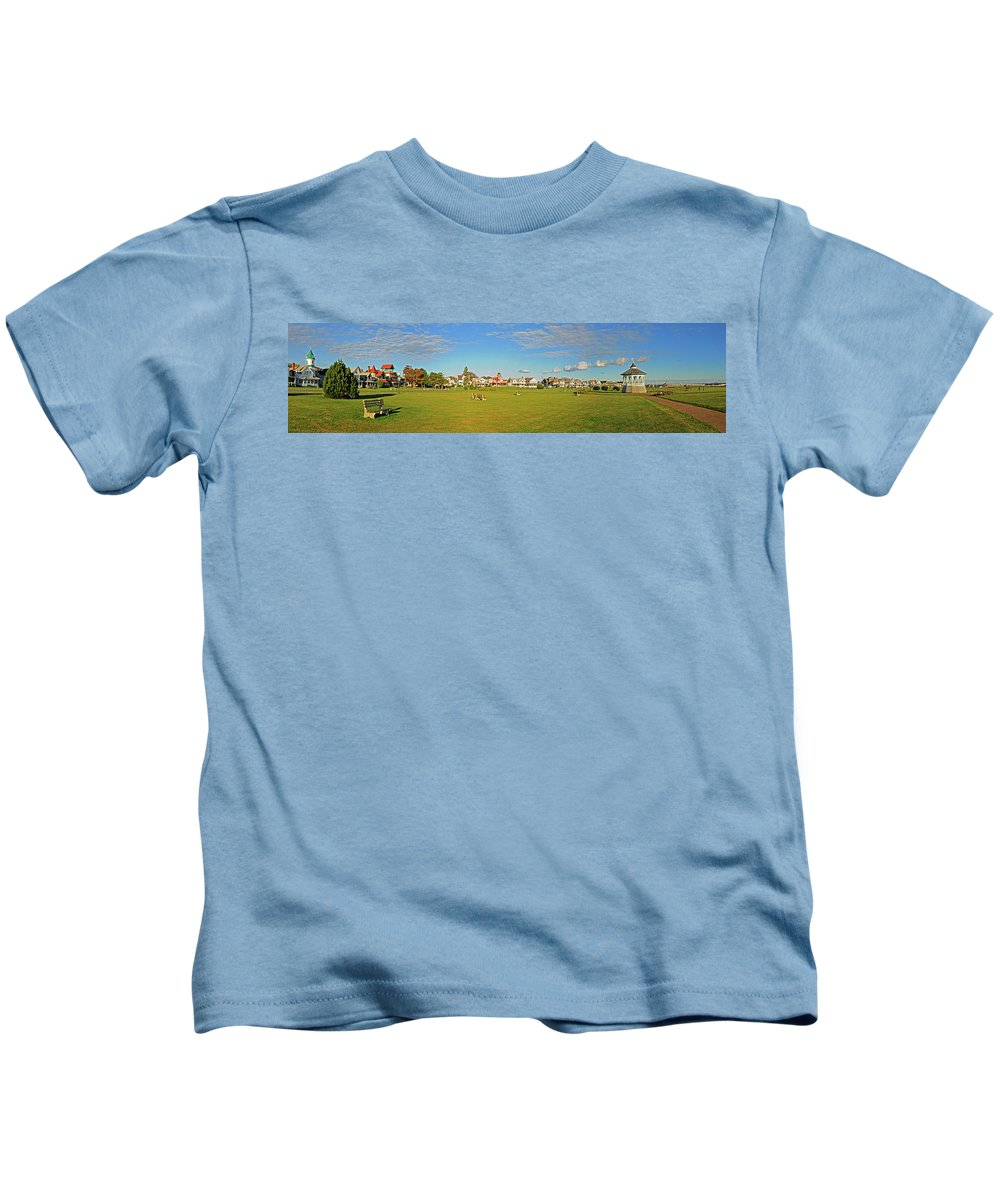 Gazebo Kids T-Shirt featuring the photograph On The Green At Marthas Vineyard by Dave Mills