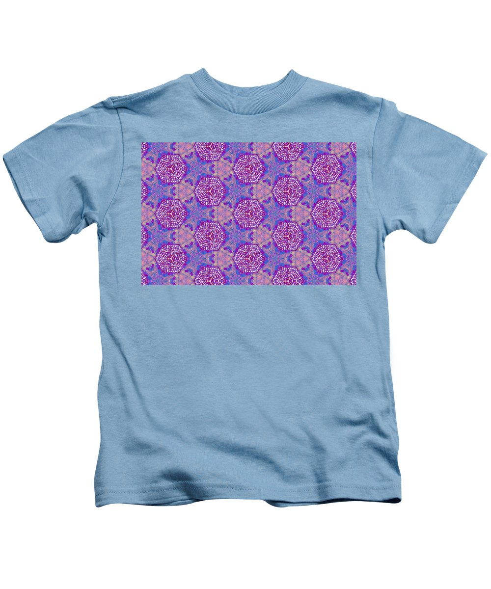 Marjan Mencin Kids T-Shirt featuring the digital art Arabesque 086 by Marjan Mencin