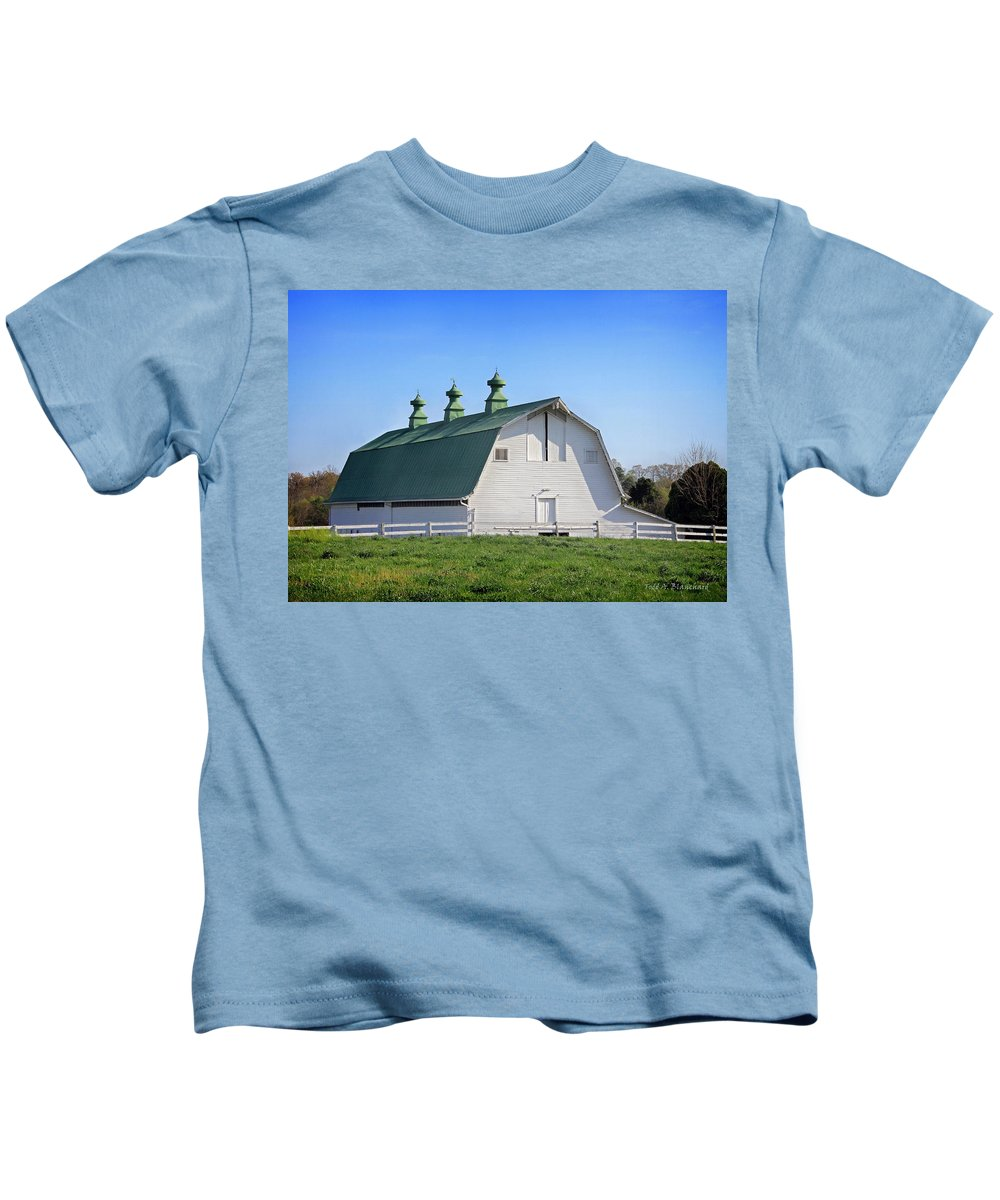 Landscape Kids T-Shirt featuring the photograph Barn by Todd Blanchard