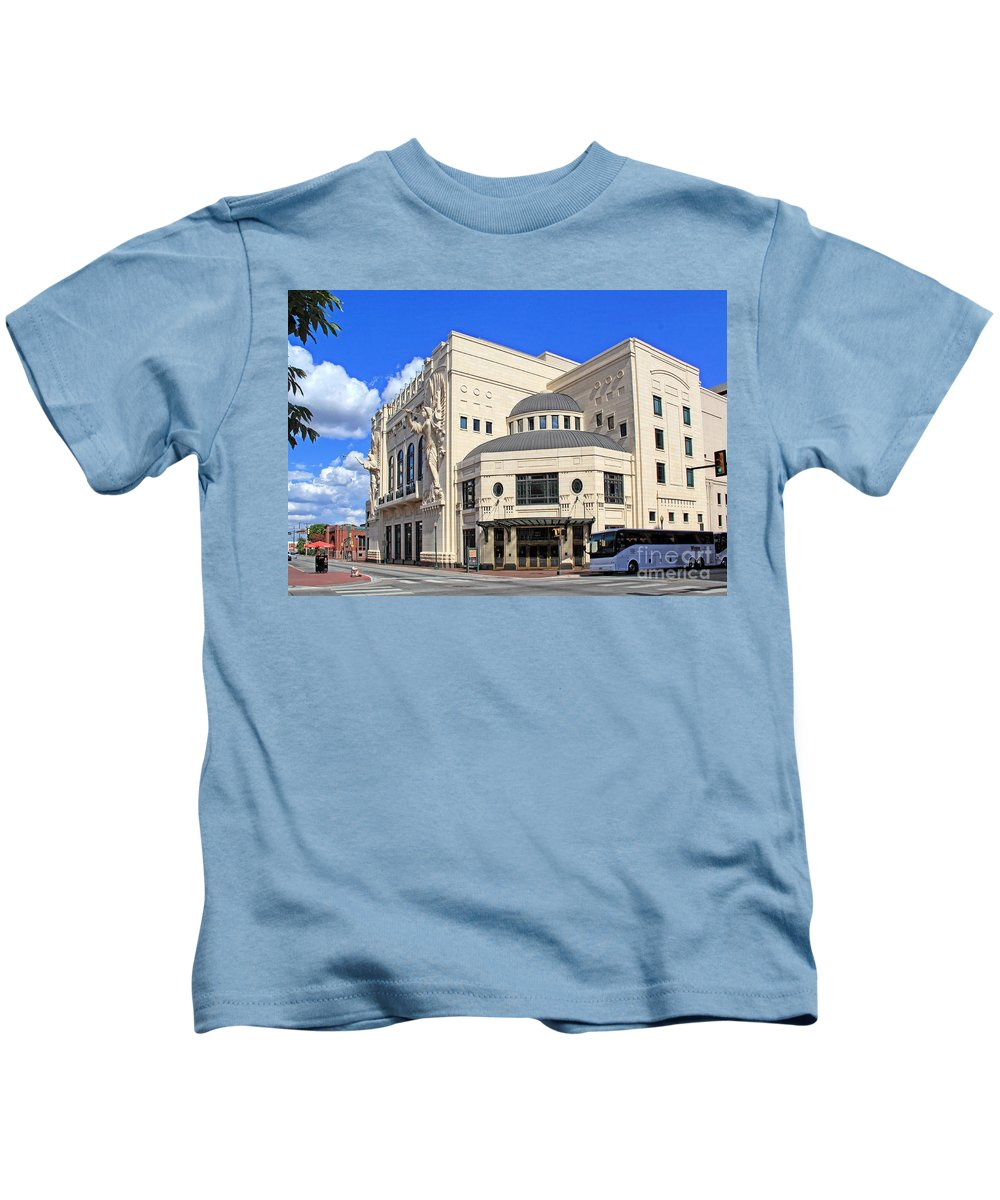 Urban Kids T-Shirt featuring the photograph Bass Hall 5480mxx by Earl Johnson