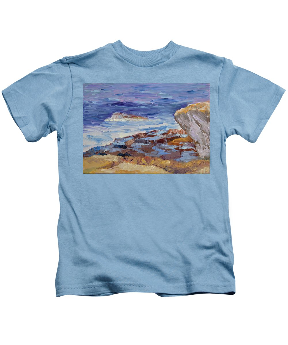 Seascape Painting Kids T-Shirt featuring the painting Bass Rocks by Lea Novak