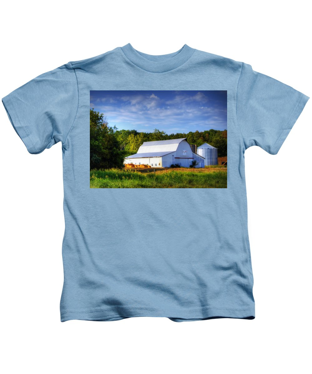 Barn Kids T-Shirt featuring the photograph Callaway County Barn by Cricket Hackmann