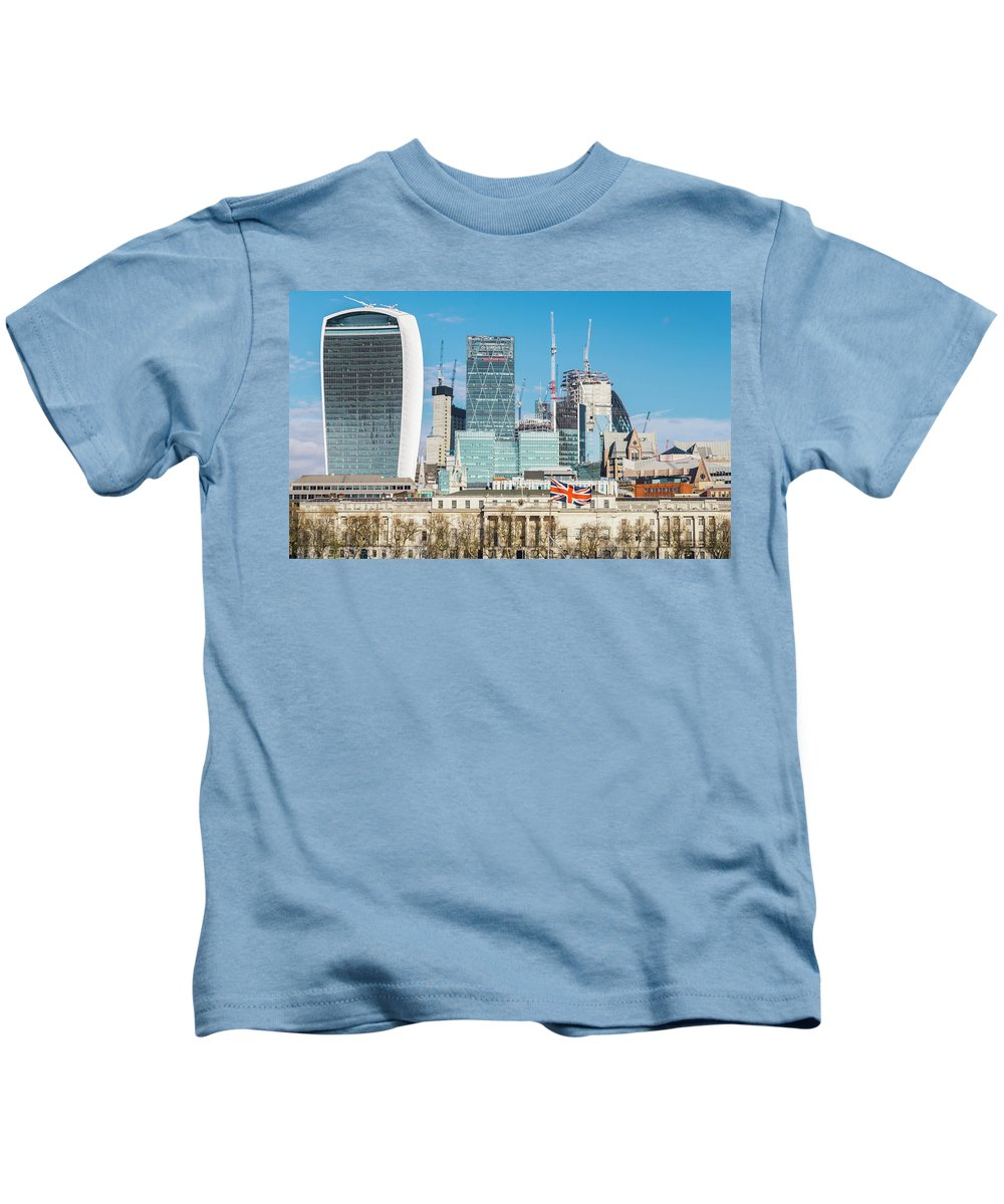 City Kids T-Shirt featuring the photograph City Of London by Alexandre Rotenberg