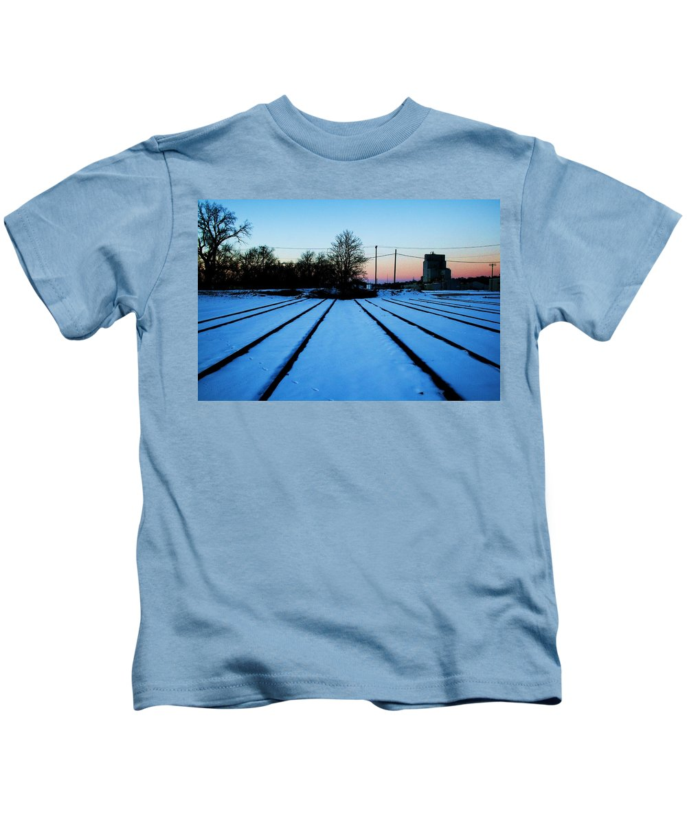 Sunset Kids T-Shirt featuring the photograph End Of The Tracks by Angus Hooper Iii