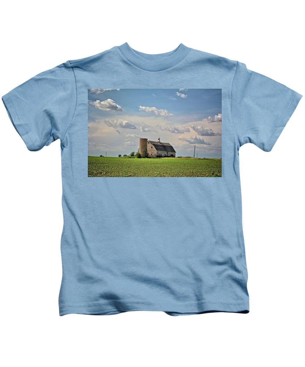 Barn Kids T-Shirt featuring the photograph Evergreen Barn 2017 2 by Bonfire Photography