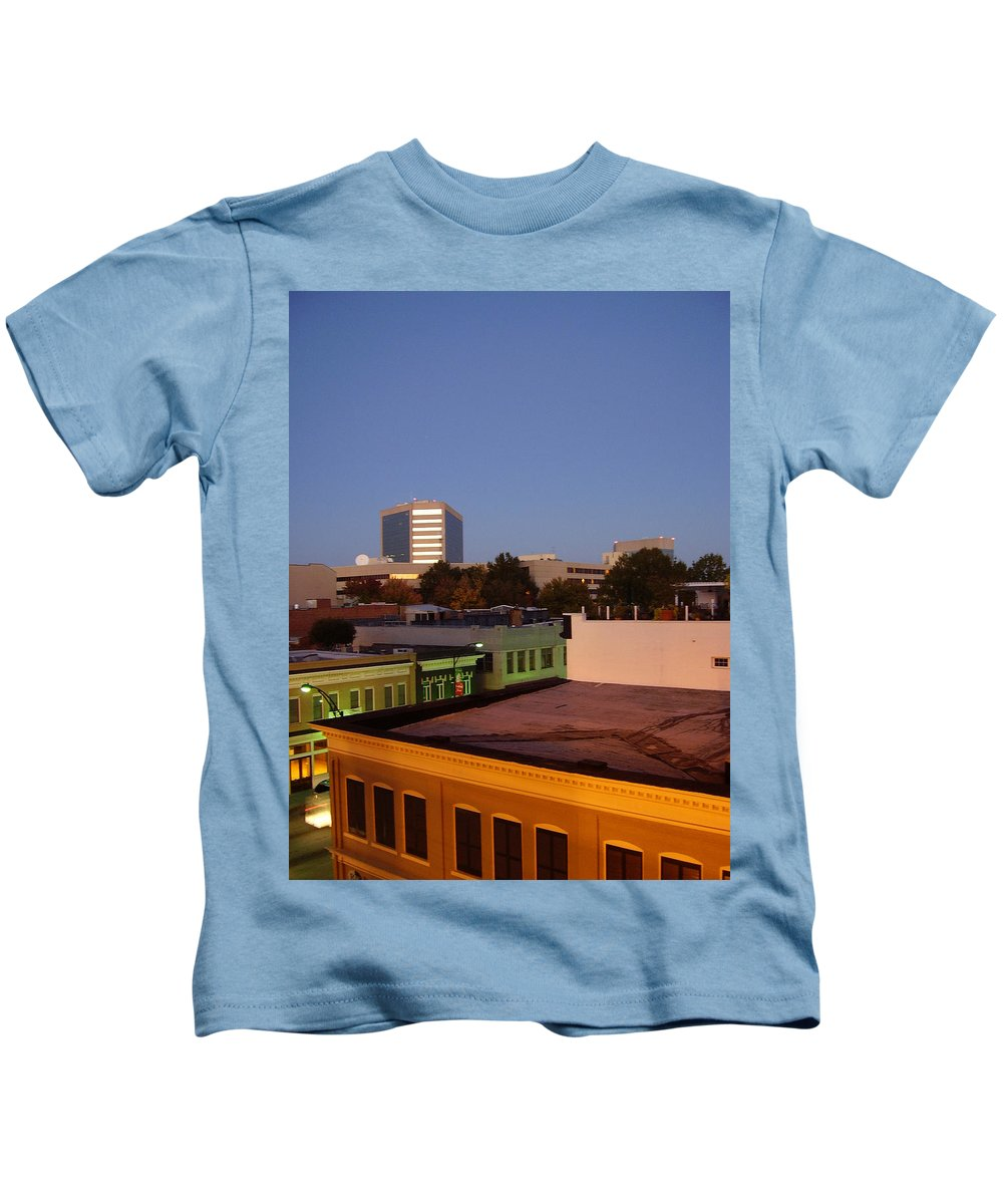 Greenville Kids T-Shirt featuring the photograph Greenville by Flavia Westerwelle
