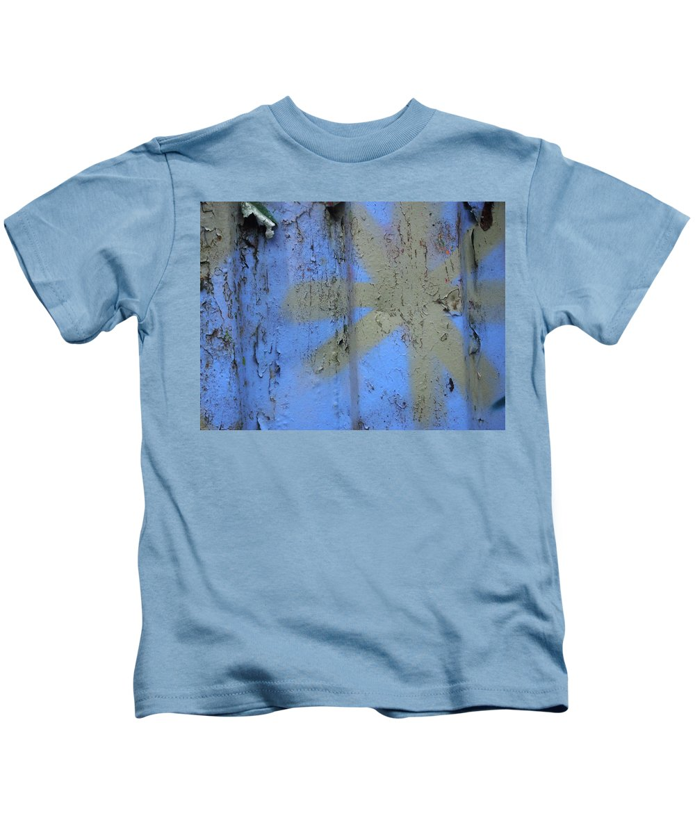 Graffiti Kids T-Shirt featuring the photograph Grey Star by Philip Openshaw