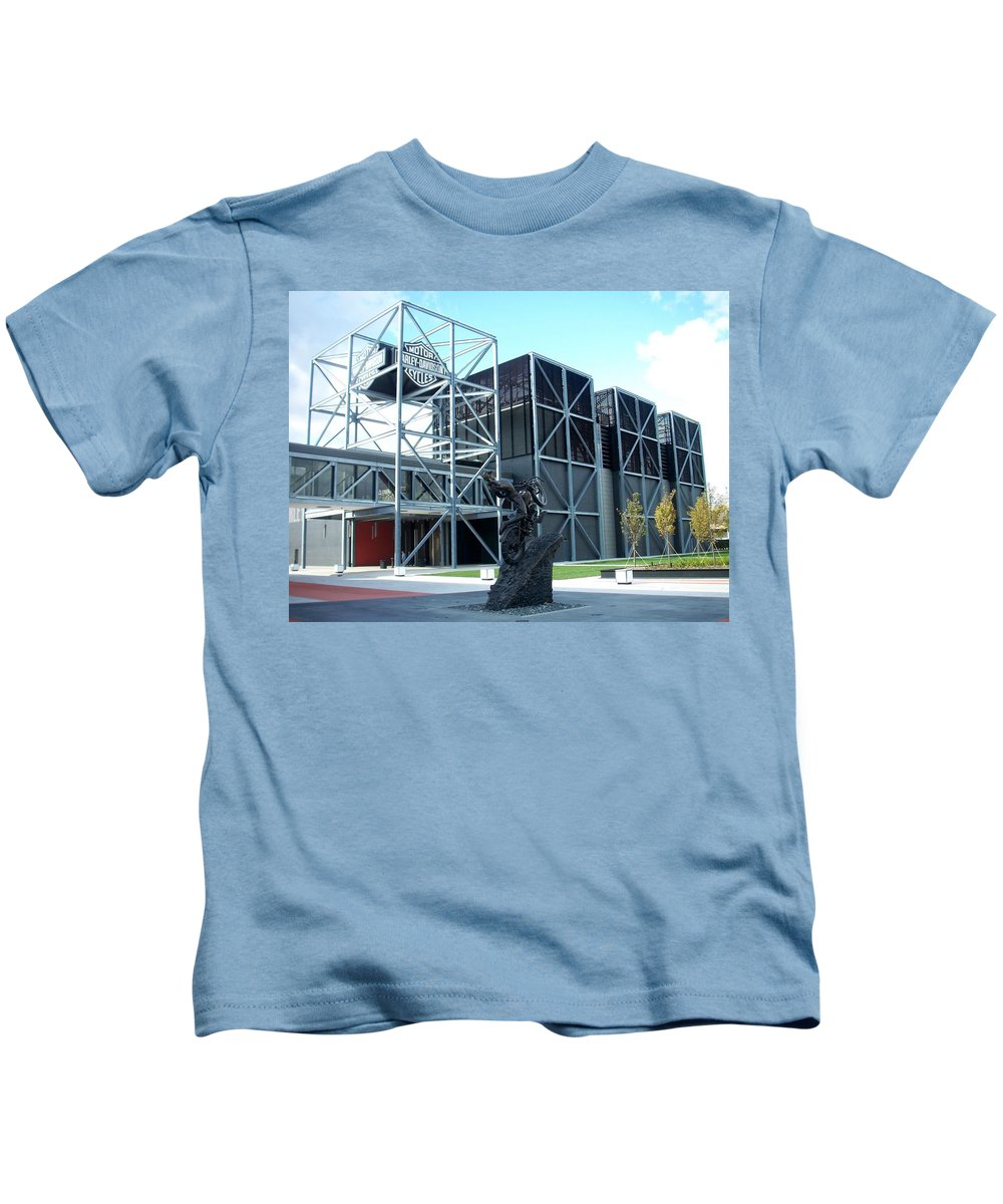 Architechture Kids T-Shirt featuring the photograph Harley Museum And Statue by Anita Burgermeister