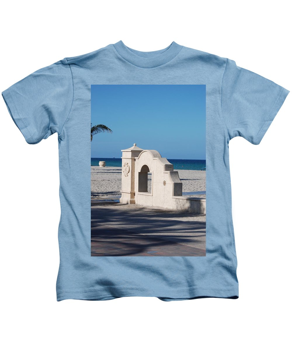 Beach Kids T-Shirt featuring the photograph Hollywood Beach Wall In Color by Rob Hans
