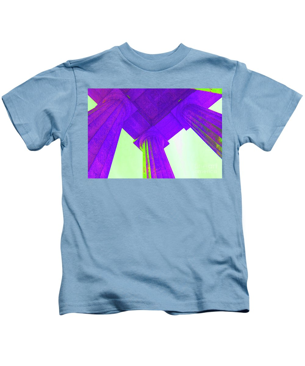 Lincoln Kids T-Shirt featuring the photograph Lincoln Column Purple by Jost Houk