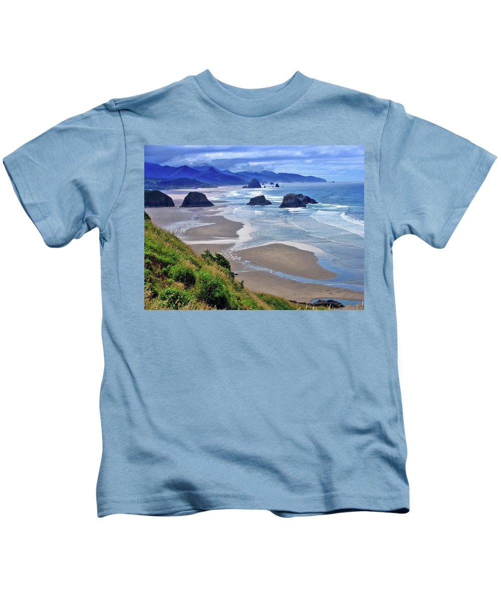 Oregon Kids T-Shirt featuring the photograph Oregon Coast by Scott Mahon