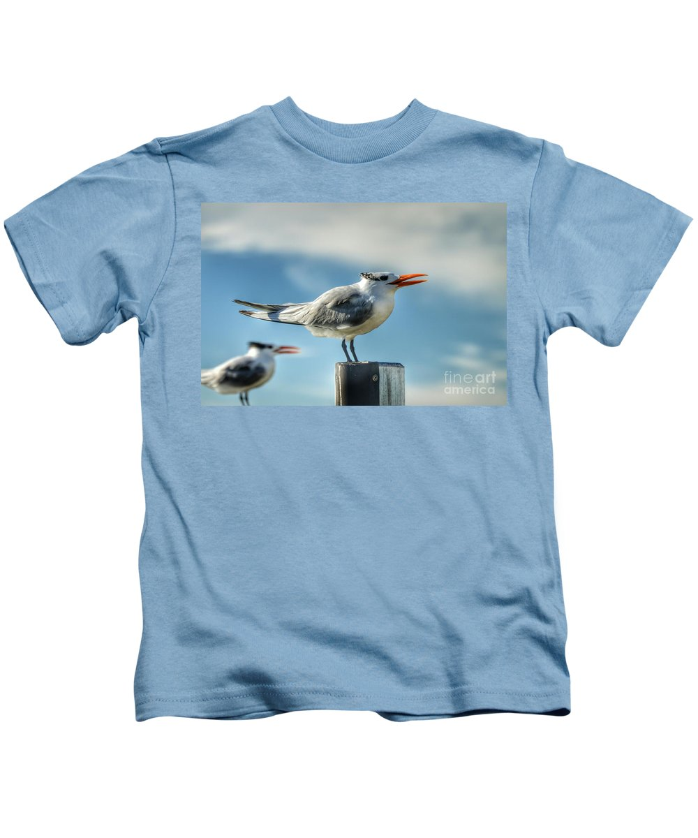 Birds Kids T-Shirt featuring the photograph Perfect Poser by Glenn Forman
