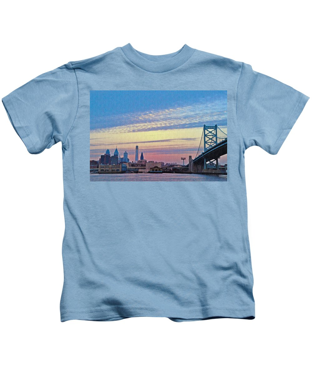 Philadelphia Kids T-Shirt featuring the photograph Philadelphia At Dawn by Bill Cannon