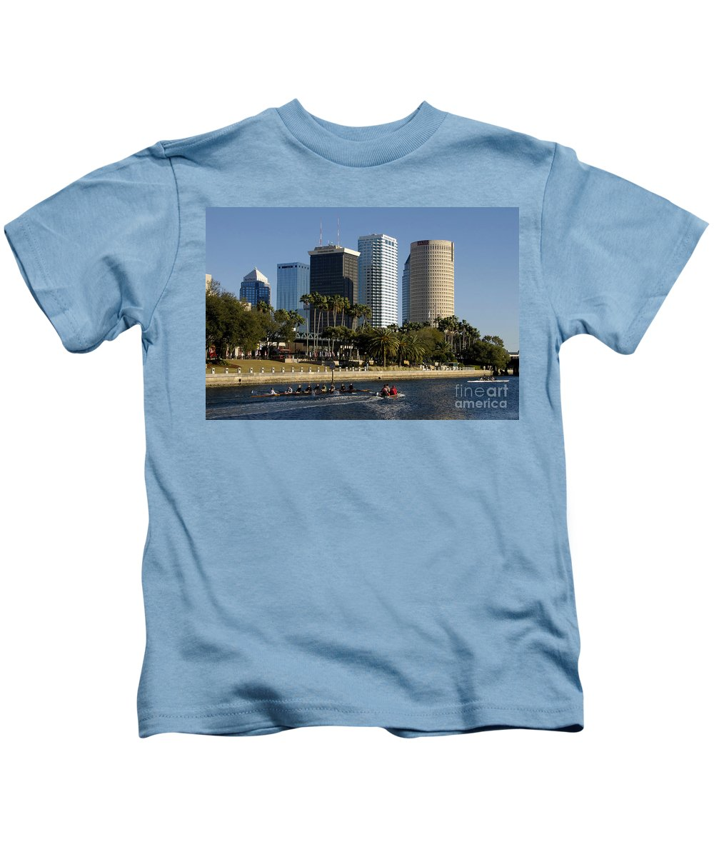Sculling Kids T-Shirt featuring the photograph Sculling In Tampa Bay Florida by David Lee Thompson
