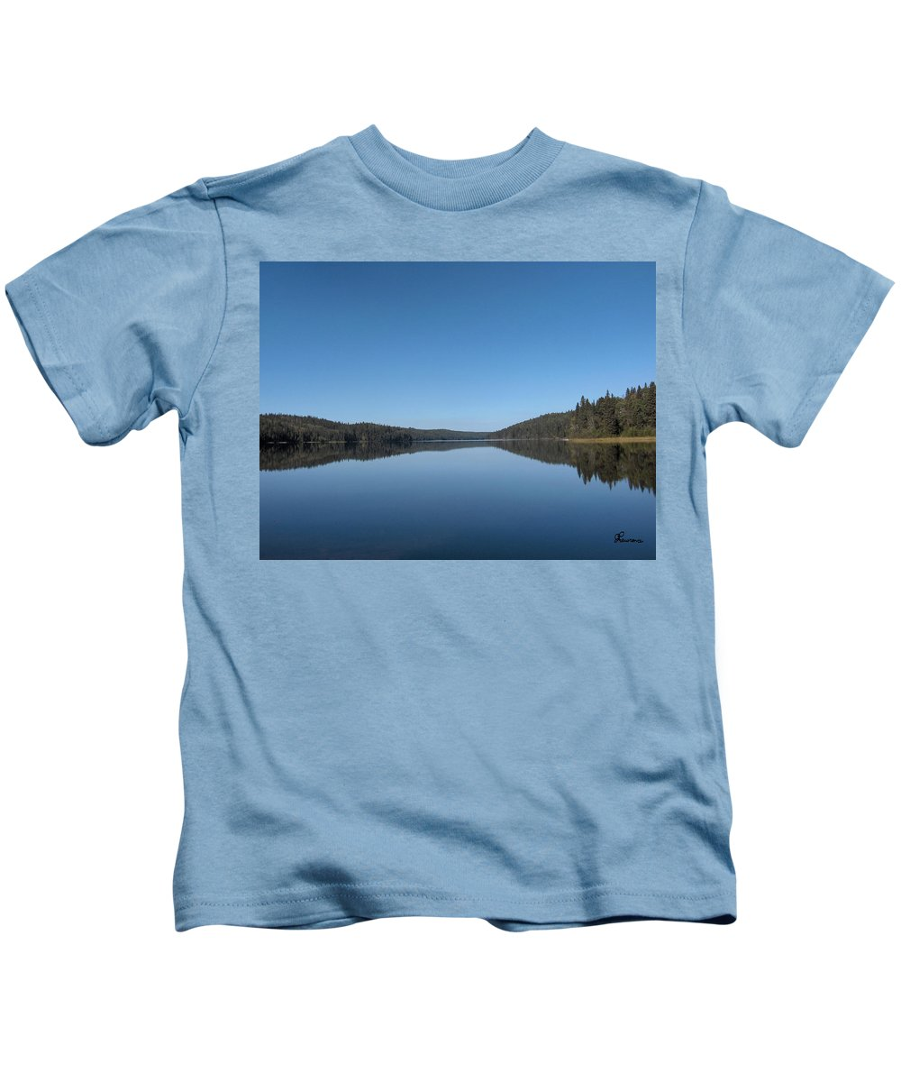 Lake Water Steepbanks Trees Still Scenery Forest Hills Kids T-Shirt featuring the photograph Steepbanks Lake by Andrea Lawrence
