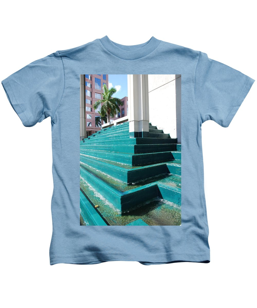 Architecture Kids T-Shirt featuring the photograph Water At The Federl Courthouse by Rob Hans