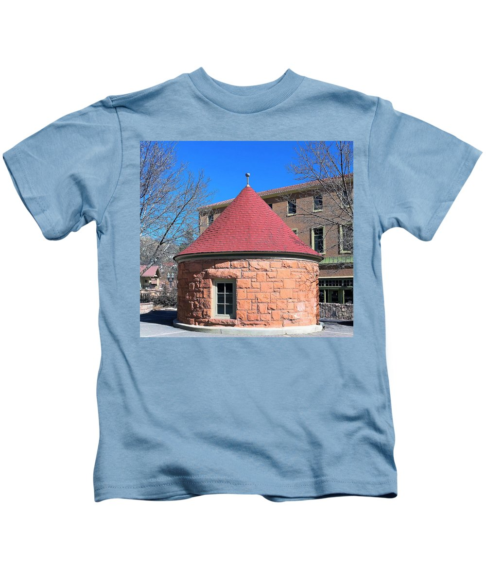Kids T-Shirt featuring the photograph Well House by Robert Walters