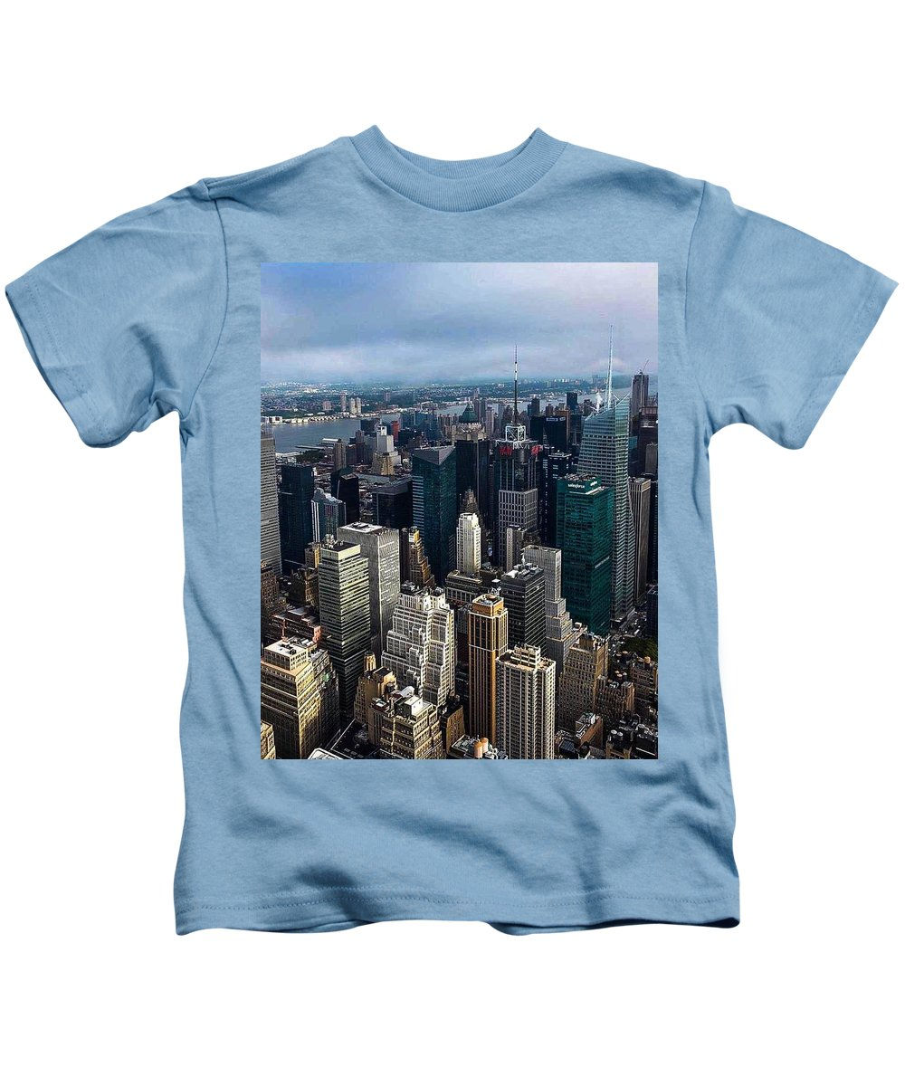 New York City Kids T-Shirt featuring the photograph Morning In The City by Sonia Pizzinelli